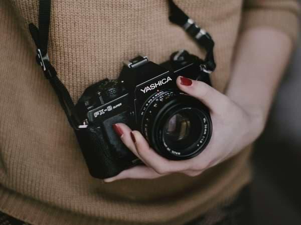 La chica de la cámara de fotos - Cuento